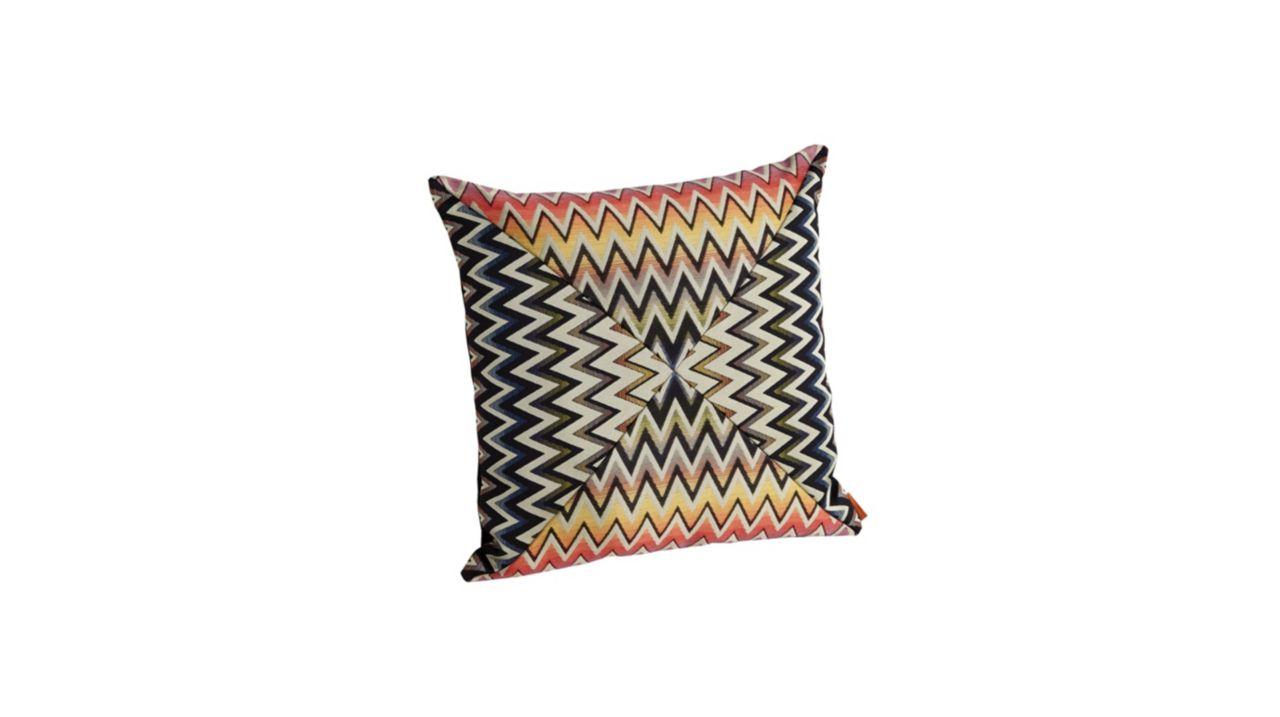 vandergrift coussin roche bobois. Black Bedroom Furniture Sets. Home Design Ideas