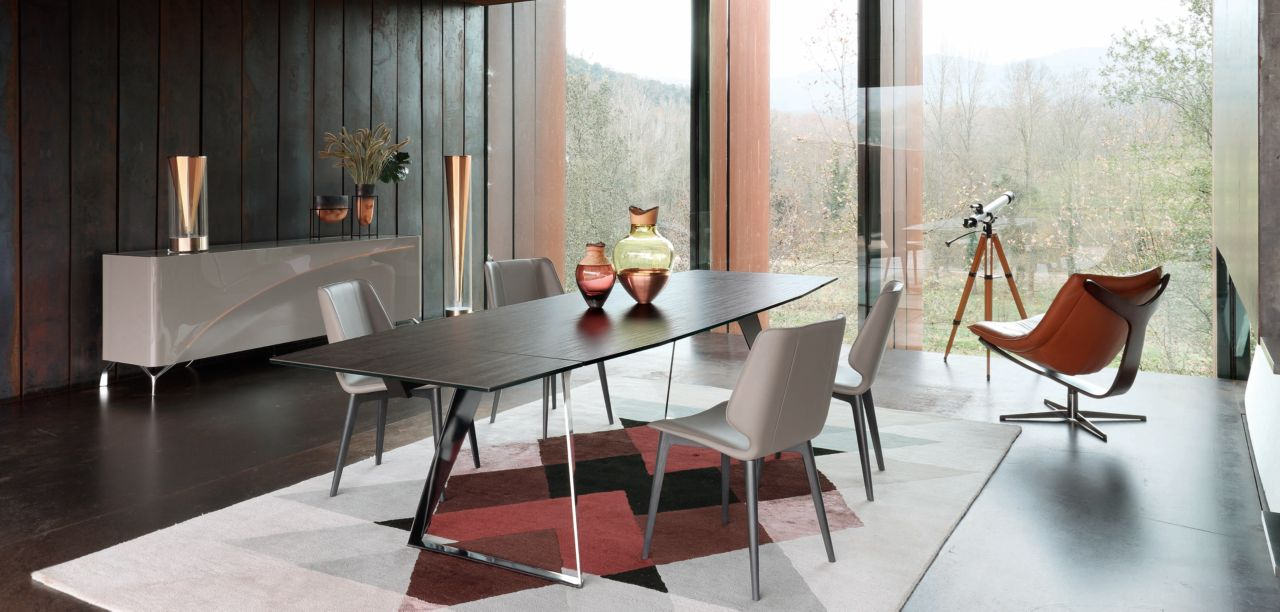 Echoes Dining Table Roche Bobois